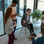 Cómo espiar a la competencia para mejorar sus esfuerzos de marketing de crecimiento